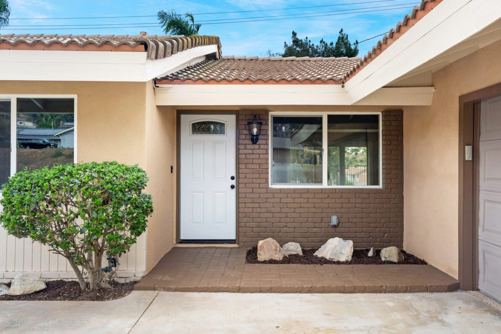 5671 Camino Real Jurupa Valley, CA 92509